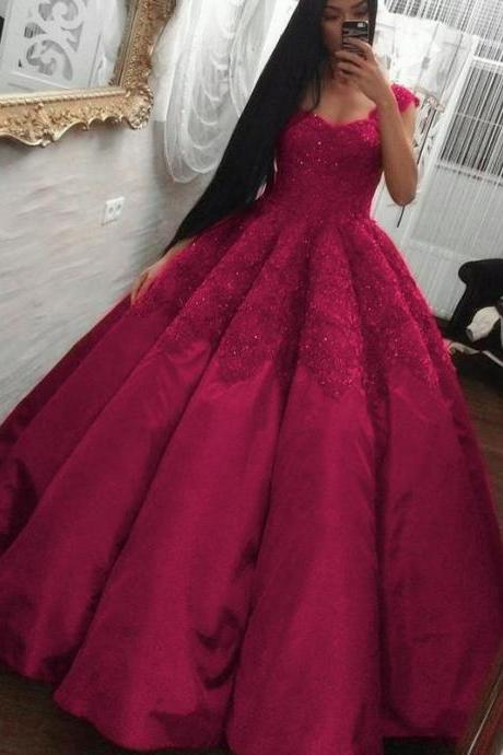 Sweetheart Ball Gown with Lace Appliques