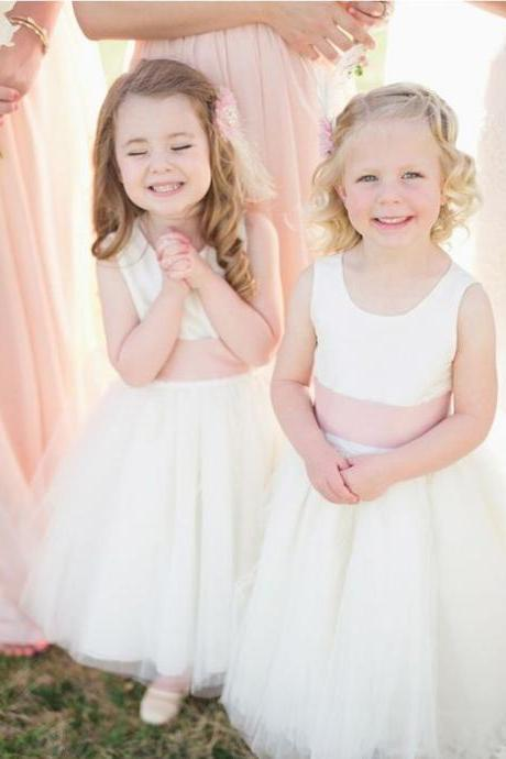 Simple White Tulle Scoop Neckline A-Line Flower Girl Dress 902